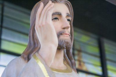 Galdo, gesto sacrilego: statua del Sacro Cuore di Gesù sfregiata